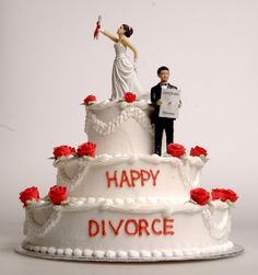 Have you heard about a divorce cake? Even we hadn\'t until we came across cakes which are specially meant to announce divorce. Yes, divorce cakes people! End Of Marriage, Saving A Marriage, Marriage Advice, Divorce Attorney, Divorce Lawyers, Divorce Humor, Divorce Party, Divorce Cakes, Divorce Process