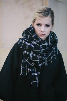Black Plaid Blanket Scarf, Oversized Plaid Scarf, Oversized Wool Scarf, Chunky Scarf, Black Wool Wrap, Black Plaid Shawl, Wool Shawl