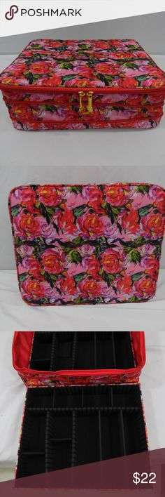 """Joy Mangano Expanding Jewelry Case Roses New New Joy Mangano soft sided jewelry case comes with 2 internal removable trays that have dividers that can be changed to fit your needs.  This is my last one as i have sold more than a hundred on """" the auction site """".  These have been quite popular and were sold new on QVC,  Measures about 13 x 11 x 4 inches. Joy Mangano Jewelry"""