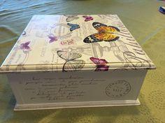 Resultado de imagen para caja servilletera mix media Napkin Decoupage, Decoupage Box, Decoupage Vintage, Altered Cigar Boxes, Handmade Jewelry Box, Girls Jewelry Box, Shabby Chic Crafts, Pretty Box, Custom Boxes