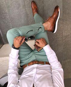Mens Style Discover Men& white shirt and green chino pants - kvinnersko Suit Fashion New Fashion Trendy Fashion Trousers Fashion Fashion Spring Men Summer Fashion Classy Mens Fashion Fashion Ideas Feminine Fashion Mens Fashion Suits, Trendy Fashion, Trousers Fashion, Fashion Fashion, Feminine Fashion, Fashion Spring, Fashion Ideas, Fashion Outlet, Men Summer Fashion