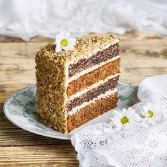 Poppy seed & Nut Cake with Coffee Mousse Banana Recipes, Easy Cake Recipes, Sweet Recipes, Cakes Without Fondant, Hungarian Cake, Russian Cakes, Macaron Cake, Sweet Pastries, Russian Recipes