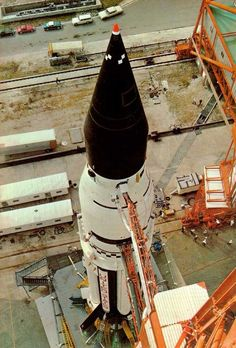 An interesting perspective on Saturn-Apollo 5.