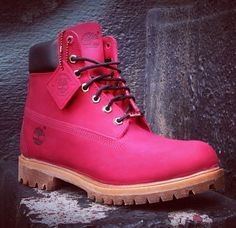 """Timberland: the """"Original Yellow Boot"""" has long been a popular American icon, the classic look has been copied by many, but never really duplicated. Timberland Style, Timberland Boots, Timberlands Shoes, Pink Shoes, Hot Shoes, Yellow Boots, Kinds Of Shoes, Costume, Shoe Closet"""