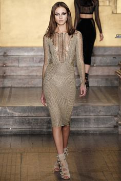Julien Macdonald Fall 2016 Ready-to-Wear Collection Photos - Vogue
