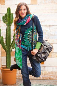 Desigual I love the sweater! Fashion Wear, Boho Fashion, Winter Fashion, Fashion Outfits, Womens Fashion, Colourful Outfits, Colorful Fashion, Shirts & Tops, Versace