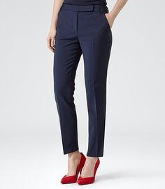 Buy Reiss Fitted Tailored Trouser, Navy Cosmos from our Women's Trousers & Leggings range at John Lewis & Partners. Casual Work Outfits, Business Casual Outfits, Professional Outfits, Work Casual, Simple Outfits, Work Attire, Formal Trousers Women, Tailored Trousers, Pants For Women