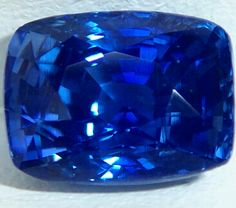 Crystalline, excellent Kashmir color, Ceylon blue sapphire