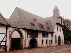 In the year 1254 a hospital for people in need, invalids and orphans, but also for pilgrims has been erected in Goslar. Today the building, which is generally known by its German name 'Große Heilige Kreuz', still houses flats for … Continue reading → Saxony Anhalt, Rhineland Palatinate, German Village, Lower Saxony, Medieval Houses, North Rhine Westphalia, Minecraft Designs, Germany Travel, Old Houses
