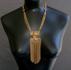 An elegant chain design.