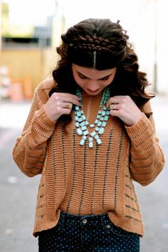 Signe from Signeroo in our Morgan necklace!
