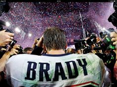 Tom Brady named MVP of Super Bowl XLIX in record-setting fashion - The Boston Globe Tom Brady Twitter, New England Patriots, Super Bowl, Nfl History, Sports Images, Go Blue, Sport Photography, Nfl Football, Football Images