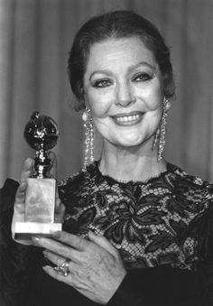 Loretta Young: still beautiful in her later years. Old Hollywood Glamour, Hollywood Stars, Classic Hollywood, Loretta Young, Bishop Wife, Adrienne Ames, Judy Lewis, Divas, Farmer's Daughter