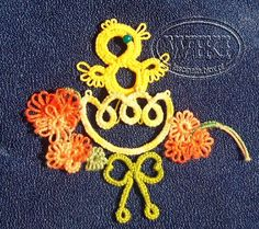 chickens and eggs ... no pattern but lovely series of tatting from chicken to egg to chicken !!!