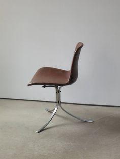 A Single PK-9 Chair by Poul Kjærholm image 4