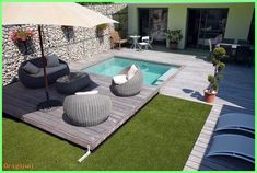decor - Rigid and functional covers for small pools. Ideas for swimming .Modern decor - Rigid and functional covers for small pools. Ideas for swimming . Small Backyard Pools, Backyard Pool Designs, Small Pools, Swimming Pools Backyard, Swimming Pool Designs, Diy Patio, Backyard Patio, Backyard Landscaping, Ideas De Piscina