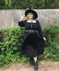 Think there's no alternative plus size fashion icons? This list features plus size goth, plus size grunge, kawaii cuteness, nonbinary babes etc Queer Fashion, Dark Fashion, Gothic Fashion, Street Fashion, Plus Size Goth, Look Plus Size, Festival Looks, Alternative Outfits, Alternative Fashion
