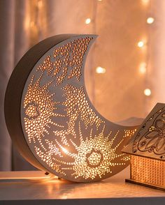 Crescent Moon Night Light – wooden accent lamp – hanging wall of the Luna-Late … - All For Decoration Home Decor Accessories, Decorative Accessories, Luminaria Diy, Deco Luminaire, Ramadan Decorations, Bedside Lamp, Handmade Home Decor, Home Design, Wall Design