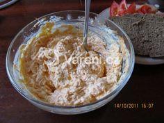 Lahodná varianta na oblíbenou česnekovou pomazánku. Vareni.cz - recepty, tipy a články o vaření. Mashed Potatoes, Oatmeal, Food And Drink, Cheese, Breakfast, Ethnic Recipes, Czech Food, Pizza, Garlic