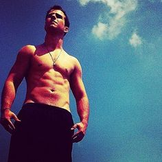 ARE YOU SEEING THIS? | Nick Jonas Is A Full-Grown Babe Now