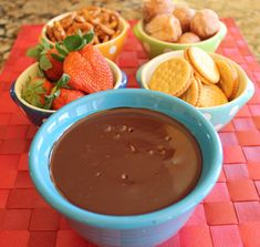 Easy Chocolate Fondue My parents gave me a fondue pot for Christmas. (Nice, aren't they!) I've been having a great time trying out recipes for it, and have been through several versions of chocolate fondue in my search . Fondue Recipes, Fruit Recipes, Snack Recipes, Dessert Recipes, Cooking Recipes, Snacks, Dessert Ideas, Yummy Appetizers, Appetizer Recipes