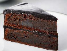 Torta de chocolate y remolacha:  ¡Pruébala! Te dejará con la boca abierta: http://elgour.me/1LPGrAb  #elgourmet #TuCanalDeCocina #Dulces