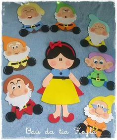 Preschool Crafts, Crafts For Kids, Snow White Birthday, Art N Craft, Felt Patterns, Crochet Bear, Cat Crafts, Disney Scrapbook, Finger Puppets