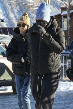 December 30, 2020 | Dakota and Chris in Aspen. #dakotajohnson Natalie Alyn Lind, Dakota Mayi Johnson, Mackenzie Ziegler, Chris Martin, 50 Shades Of Grey, Millie Bobby Brown, Celebs, Celebrities, Couple