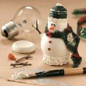 upcycle Lightbulb Snowman Craft