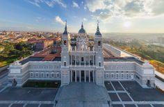 Madrid, España. Spain! (360 Degree Virtual Tour. Use to explain plaza and glorieta concepts. Site has other places around the world)
