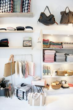 Store displays #boutique #shop in-store retail display ideas. merchandising ideas for boutique owners.