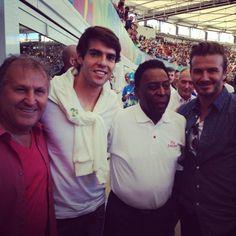 Zico, Kaká, Pelé e Beckham reunidos no Maracanã