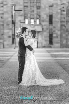 Rachel & Russell came from Singapore to have pre wedding photos done at St Lucia Queensland University. Bride & Groom B&W