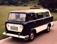 1958 Jeep FC-150 passenger van (concept? the FC-150 was a truck)