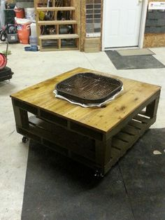 Grill fire pit table made out of repurposed pallet for Pallet fire pit