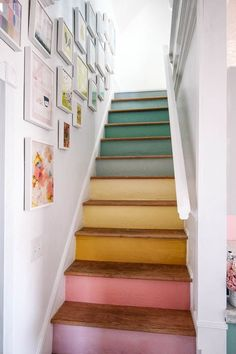 DIY Stairs Rainbow Gallery Wall - at home with Ashley - DIY stairs rainbow gallery wall. Want some simple tips on how to hang a modern gallery wall up your - Modern Gallery Wall, Gallery Wall Staircase, Staircase In Living Room, Art Gallery, Gallery Walls, Vibeke Design, Cool Rooms, Architectural Digest, House Colors