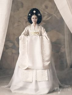 Korean Culture Fashion- Appreciate the Hanbok Korean Traditional Dress, Traditional Fashion, Traditional Dresses, Korean Bride, Korean Wedding, Hanbok Wedding, Korea Dress, Modern Hanbok, Korean Outfits