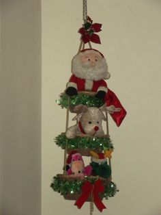hanging basket with christmas stuff toys Christmas Decorations, Christmas Ornaments, Holiday Decor, Hanging Baskets, Christmas Stuff, Mayo, Home Decor, Garlands, Crowns