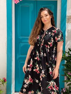 Dress By Mat. fashion Real Size Plus Size Fashion #matfashion #matfashionistas #matstyle #therealyou #realsize #realwomen #loveyourcurves #bodypositive #bodypositiveinfluencer #bodypositivity #SpringSummer2020 #ss2020 #collection #fashion #stylebeyondsize #streetstyle #beach #sea #summerstyle #resort #greeksummer Mat Fashion, Real Women, Plus Size Fashion, Curves, Spring Summer, Street Style, Sea, Casual, Collection