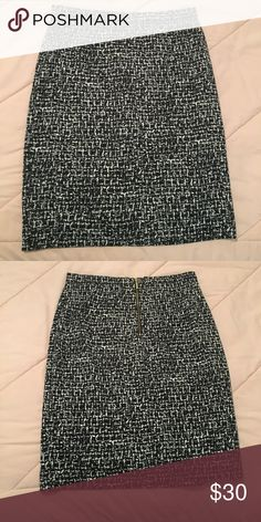 Black and white Michael Kors pencil skirt Perfect condition black and white patterned skirt with gold zipper accent. Barely worn. Perfect condition. Size 6 MICHAEL Michael Kors Skirts Pencil