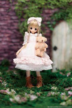 Azone Pureneemo doll