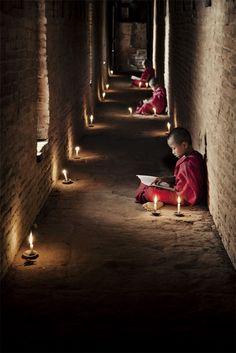 Monks at the Shwe Yan Pyay Monastery.Taunggyi, Myanmar (Birmania) by Scott Stulberg