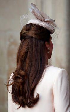 画像 : ダウンヘアを華やかに♪編み込み×ハーフアップのヘアアレンジ【海外編】 - NAVER まとめ