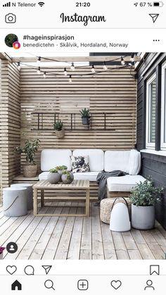 Backyard Garden Design, Small Backyard Landscaping, Backyard Patio, Garden Bar, Dream Garden, Garden Ideas, Cottage Exterior, Outdoor Furniture Sets, Outdoor Decor