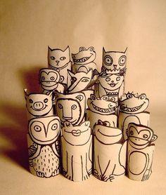 animaux avec des rouleaux de papier WC