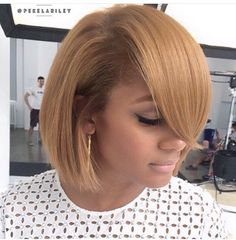 Short Bob Wigs For African American Women The Same As The Hairstyle In The Picture Haar African American Buy this high quality wigs for black women lace front wigs human hair wigs african american wigs Short Bob Wigs, Short Bob Hairstyles, Black Women Hairstyles, Short Hair Cuts, Wig Hairstyles, Short Hair Styles, Bob Haircuts, Ethnic Hairstyles, Bangs Hairstyle