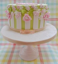 Summer Garden Party Cake via Craftsy Cute Cakes, Pretty Cakes, Beautiful Cakes, 21st Cake, 21st Birthday Cakes, Garden Party Cakes, Garden Parties, Spring Cake, Cakes For Women