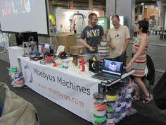 #Mulafest #2014 #Moebyus #3D #print  Stand y equipo moebyus en el mulafest #3Dprinting #3Dprinter #reprap www.moebyus.com/