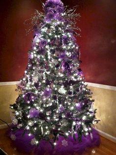 Nice 42 Beautiful Purple Christmas Tree Decoration Ideas. More at http://trendecor.co/2017/12/08/42-beautiful-purple-christmas-tree-decoration-ideas/