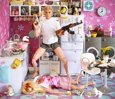 Barbie questioned Ken's sexuality one too many times. Humor Barbie, Barbie Funny, Bad Barbie, Barbie And Ken, Girl Barbie, Barbie Style, Barbie Mala, Barbie In Real Life, Barbie World